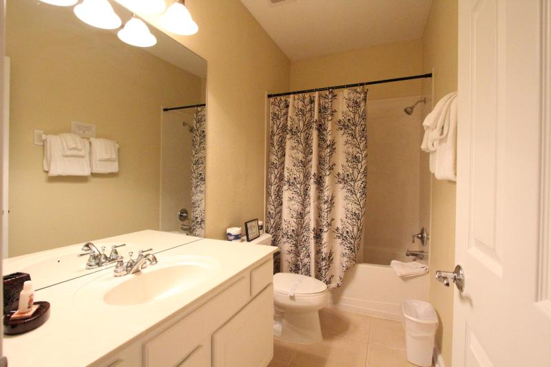 Private bathroom for room w/ 2 twins