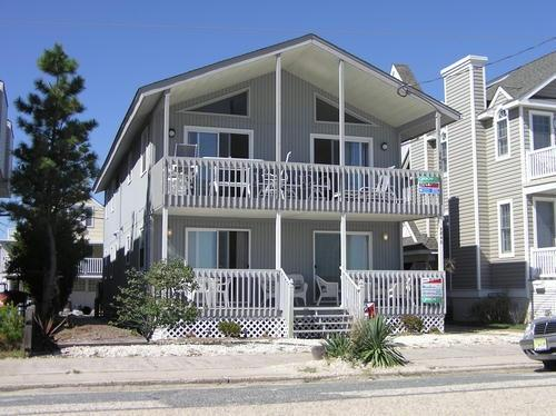 5842 Central Avenue 2nd Floor 132337, holiday rental in Strathmere
