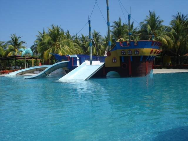Large ocean front club pools
