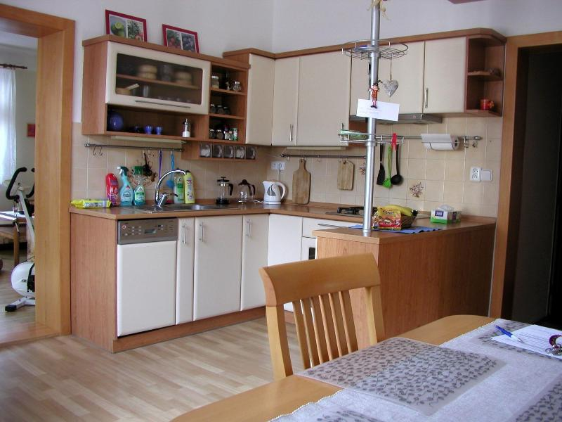 Lovely 3BD house in Brno ♫♪ nearby the Brno lake ♫, location de vacances à Moravie du Sud
