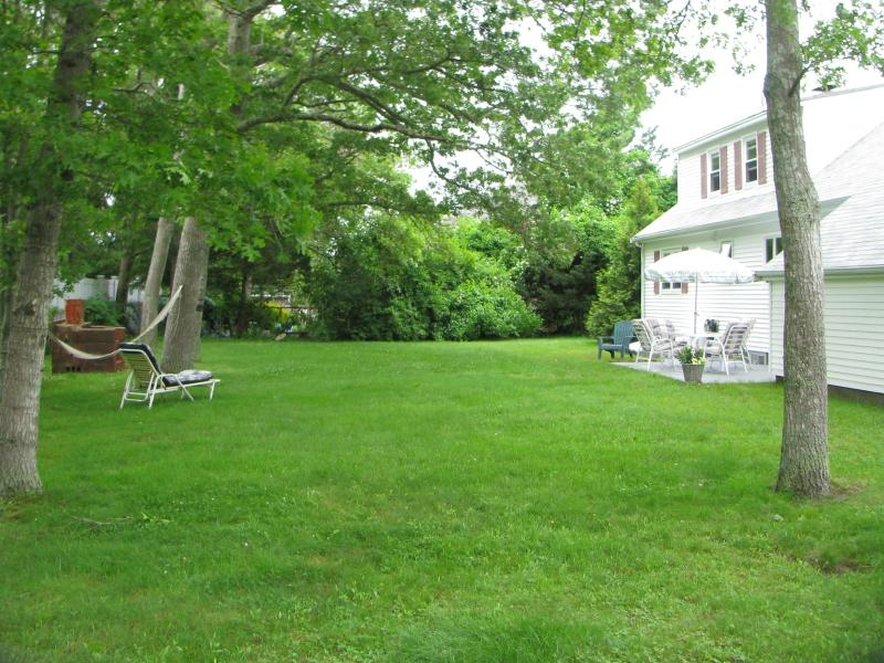 Private & Quiet Back Yard