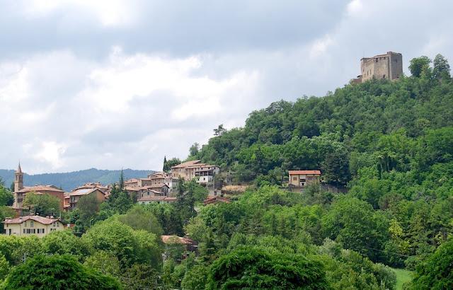 the town in front of us: Zavattarello