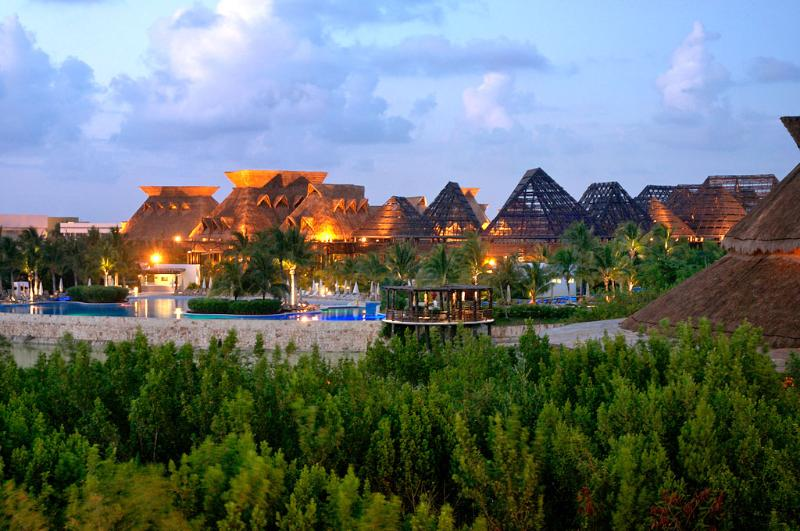 The Grounds at Riviera Maya are Beautiful