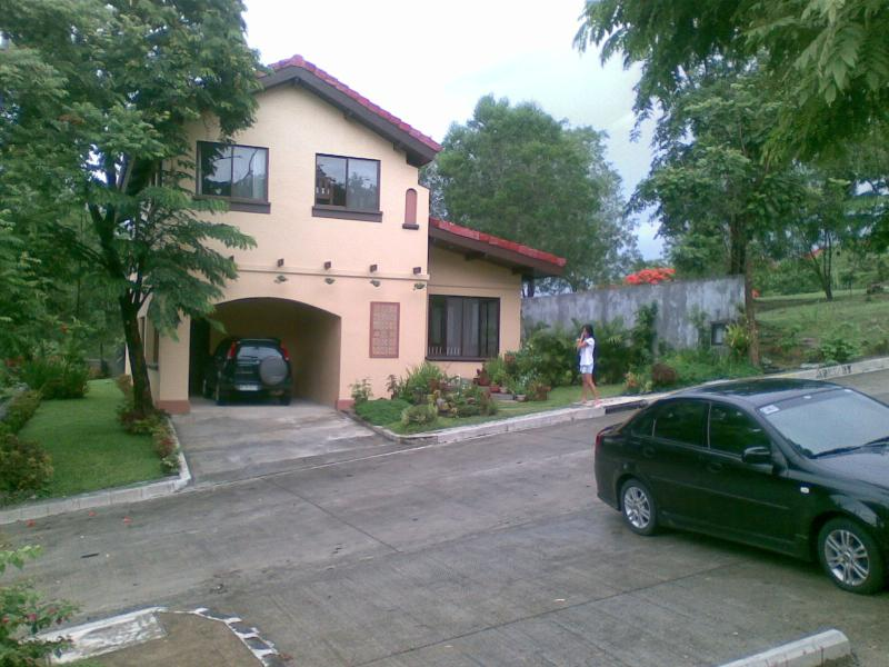 Front view of home