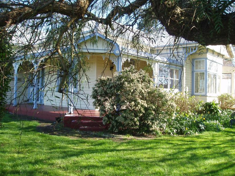 Beautiful B&B with character near Cradle Mountain, holiday rental in West Ulverstone