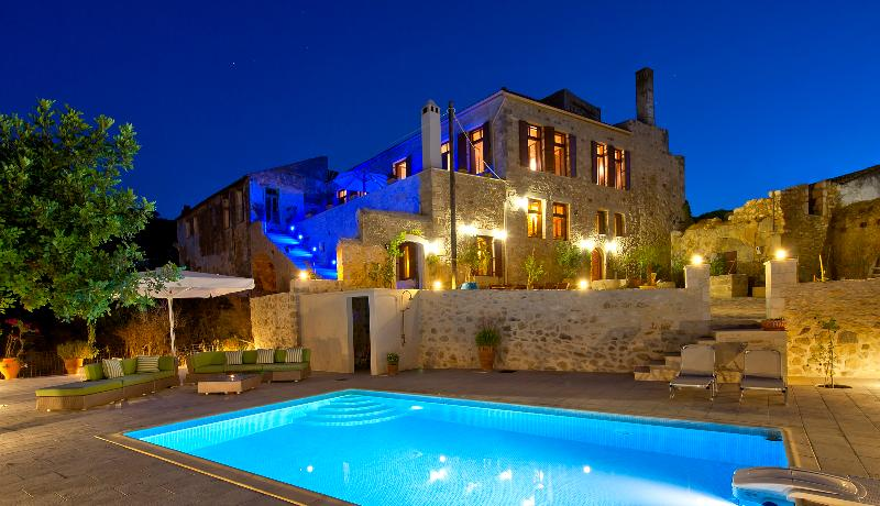Villa Candice at night in Crete