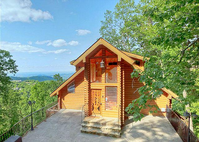 2 Bedroom Luxury Ski Mountain Gatlinburg View Park Cabin near Ober Ski Resort, location de vacances à Gatlinburg