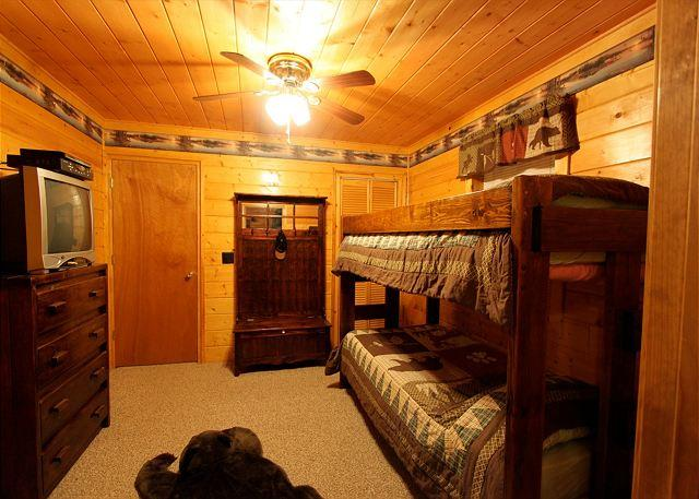 Woodhaven #1741- Bunk Beds & TV