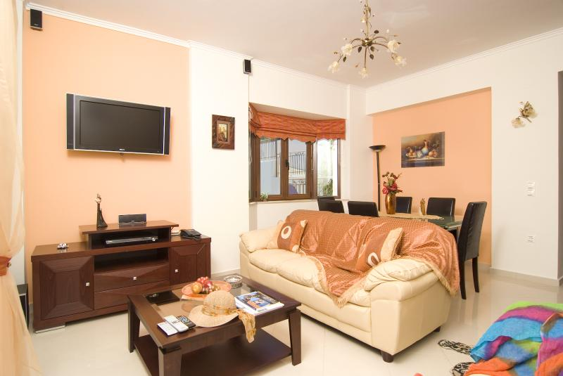 Sala de estar en el nivel principal