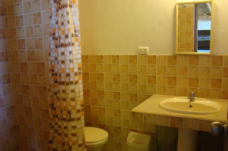 Las Pocitas Beach Mancora - Bathroom