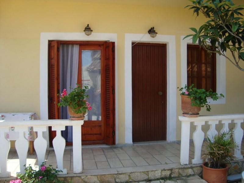 Excellent Vacation Apartment in Agios Georgios!, vacation rental in Corfu