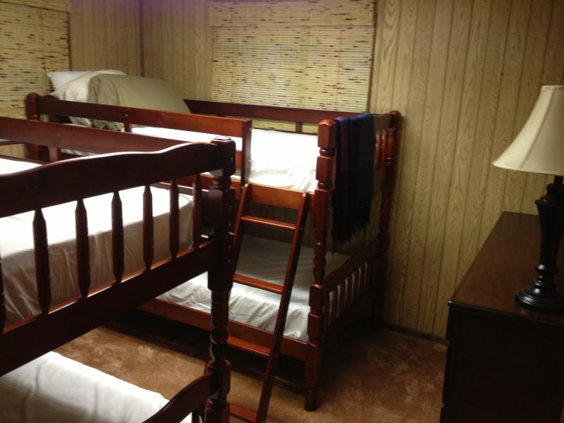 Bedroom #4 2 bunk beds