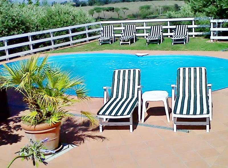 Villa in Vejo Park with private pool ., holiday rental in Isola Farnese