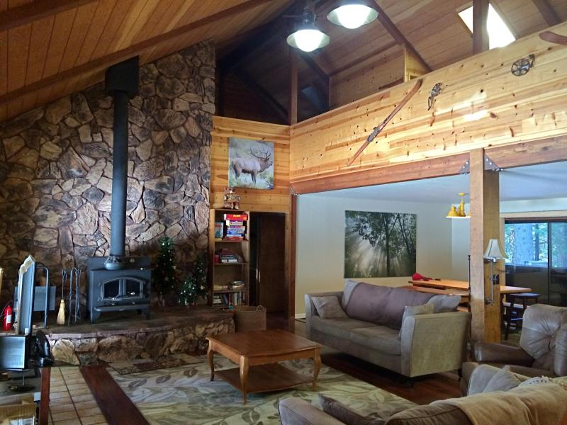 Spacious Mountain Home to Host Large Family/Group, alquiler de vacaciones en Arnold