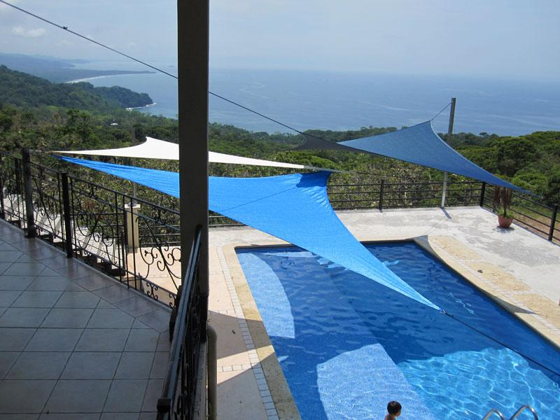 Two level swimming pool: lap pool and kid friendly play pool