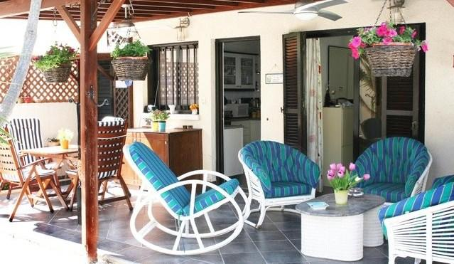 Chez Lala Sea View House with Garden, holiday rental in Empa