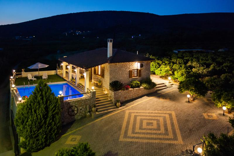 Aigli villa with pool, completely private located in orange groves close to village and beach