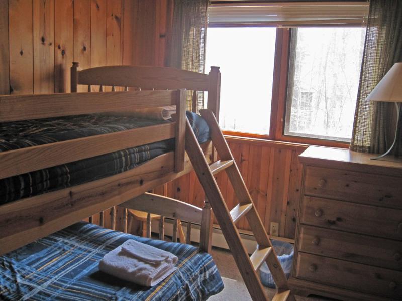 Bunk bed/kids room