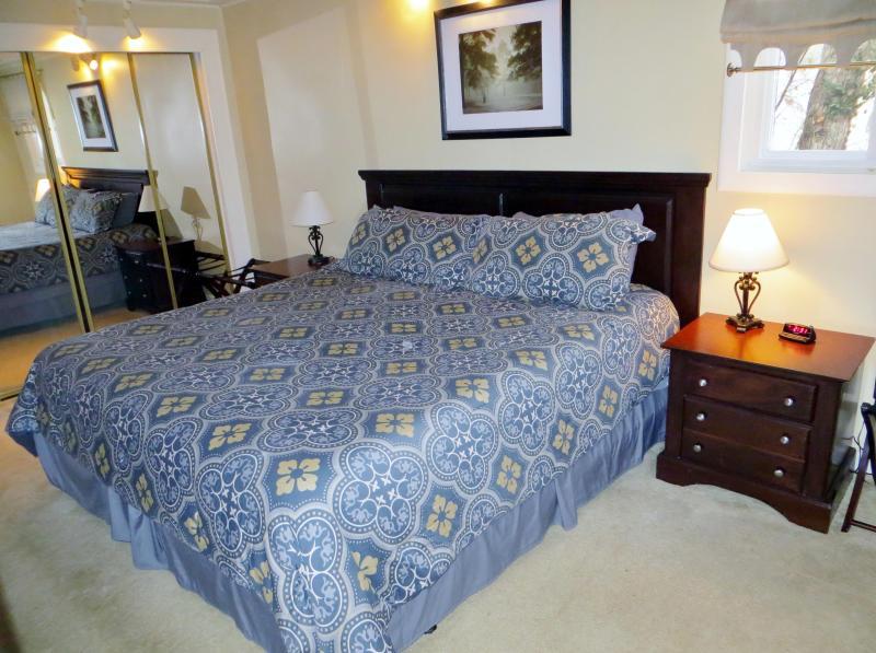 King master bedroom w/ bath