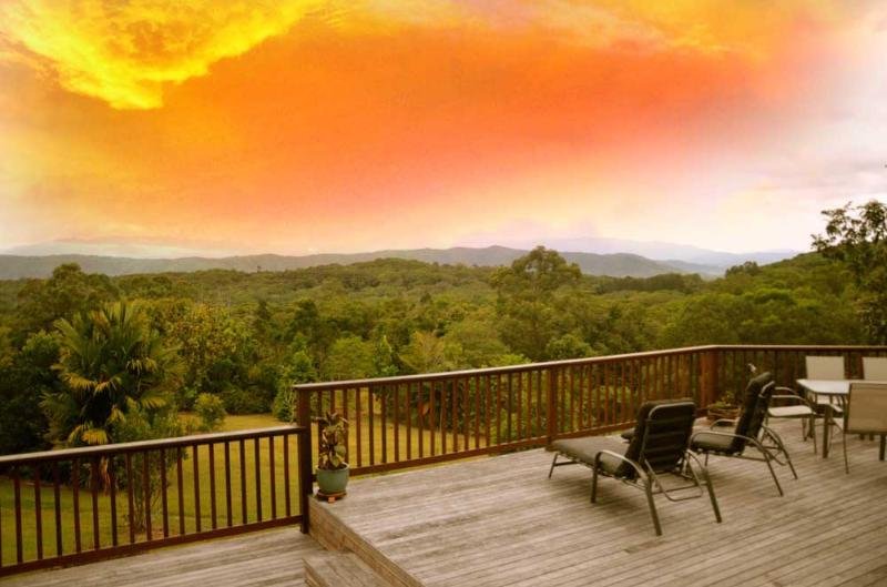 Daintree Valley Cottage, vacation rental in Whyanbeel