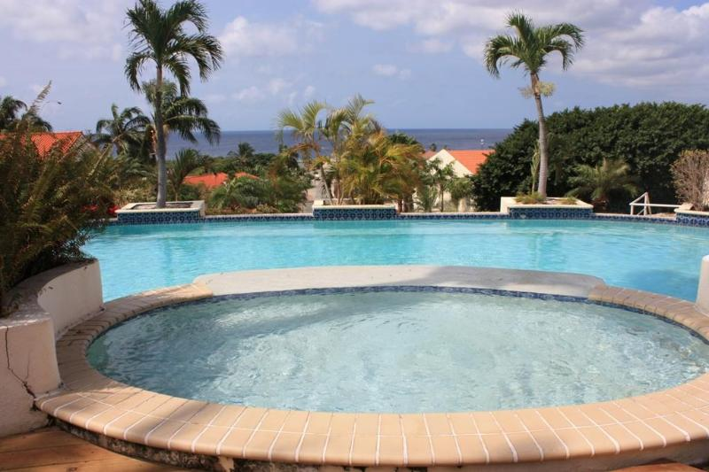 Royal Palm Holiday Apartment, vacation rental in Curaçao
