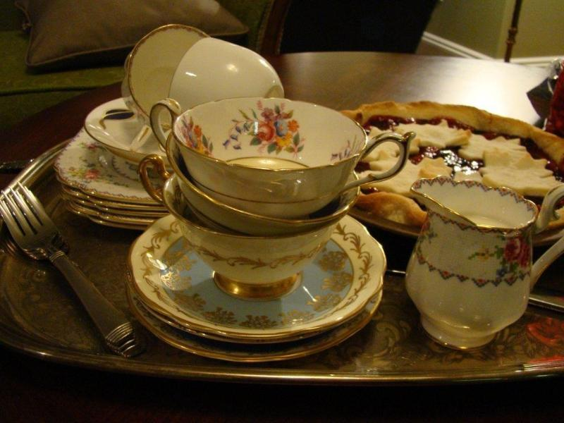 English tea time at the HIGHVIEW in Maple Bay