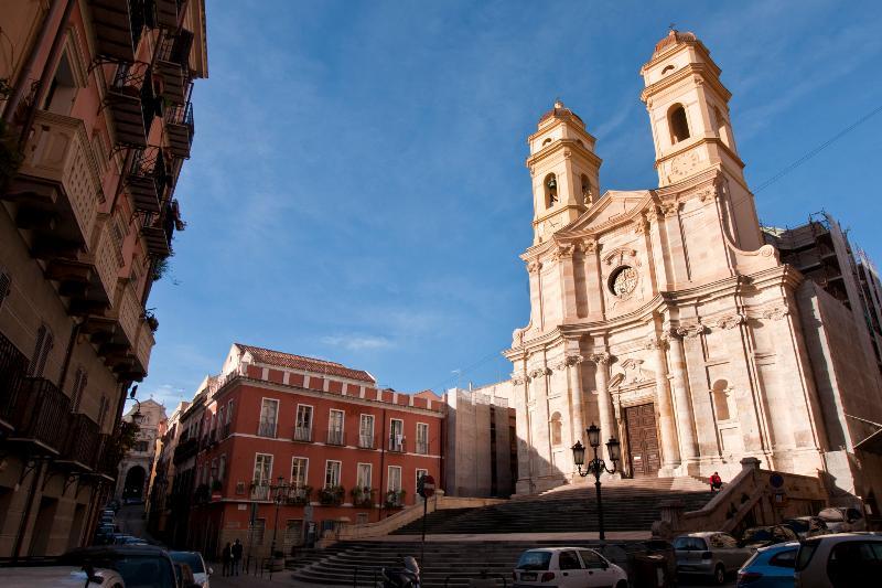 Sant'Anna's chuch, Via Azuni 'view.