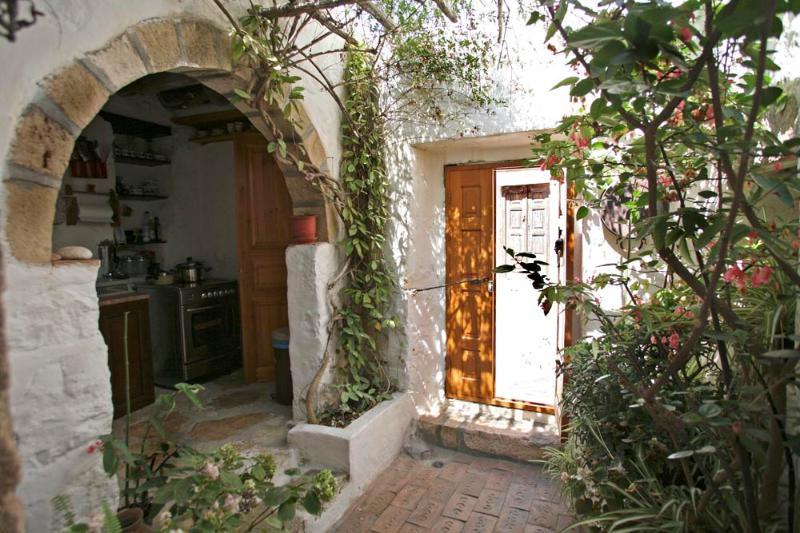 Patmos - Frances House, casa vacanza a Grikos