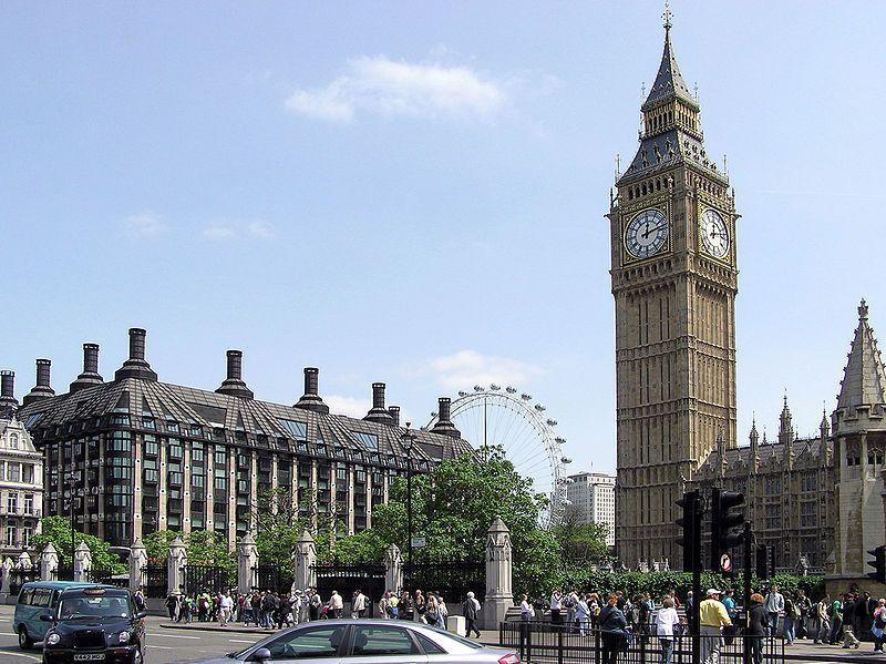 In der Nähe von Sehenswürdigkeit: Parlament und großes Bett