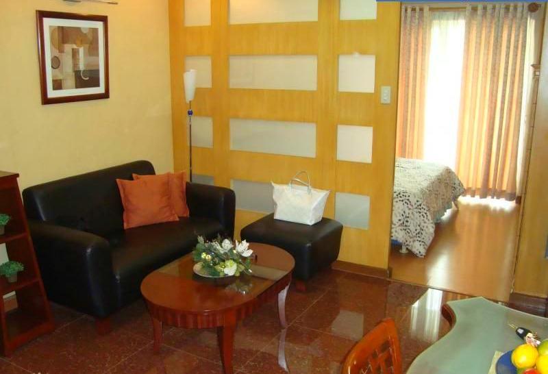 Elizabeth Place Condo Salcedo Makati CBD, vacation rental in Metro Manila