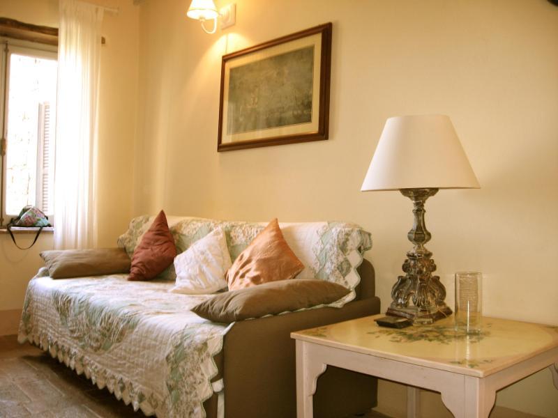 Casetta Il Poggio - South Tuscany Cozy Townhouse, vacation rental in Trevinano
