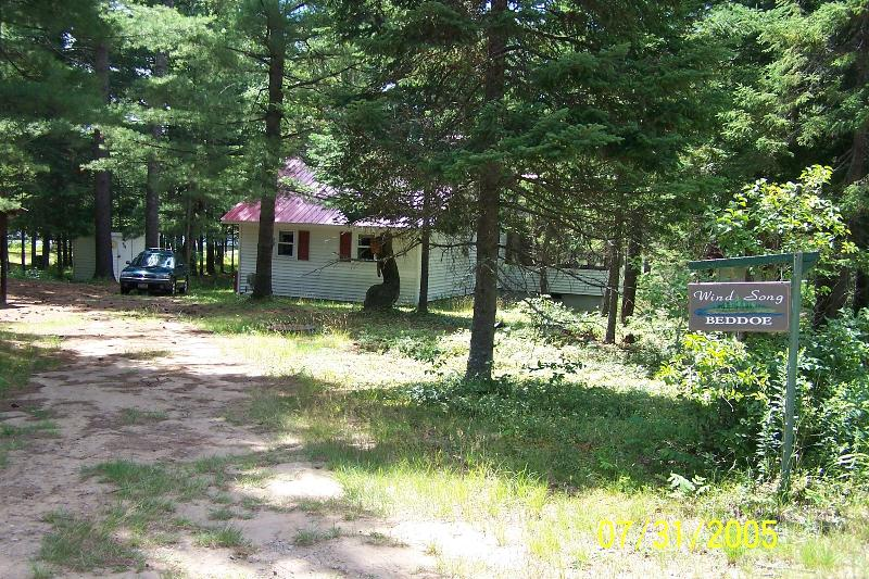 WIND SONG:  Lakefront Prop. Nestled Beneath Pines, holiday rental in Saint Regis Falls