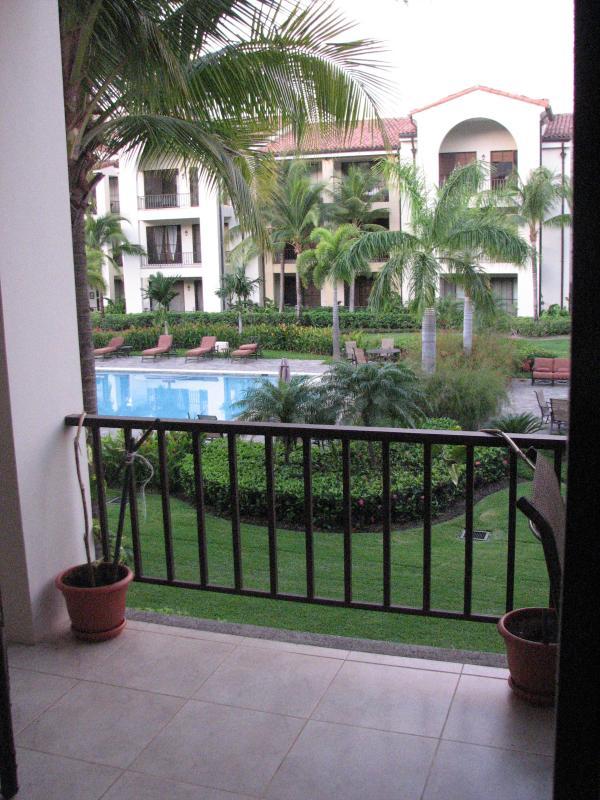 Outside deck pool overlook