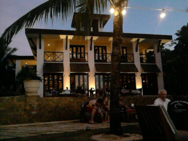 Beach Club restaurant has extensive lunch and dinner menu & bar service
