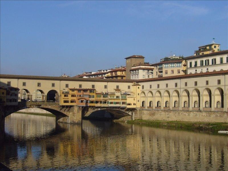 Ponte Vecchio, less than 10 minutes from the apartment