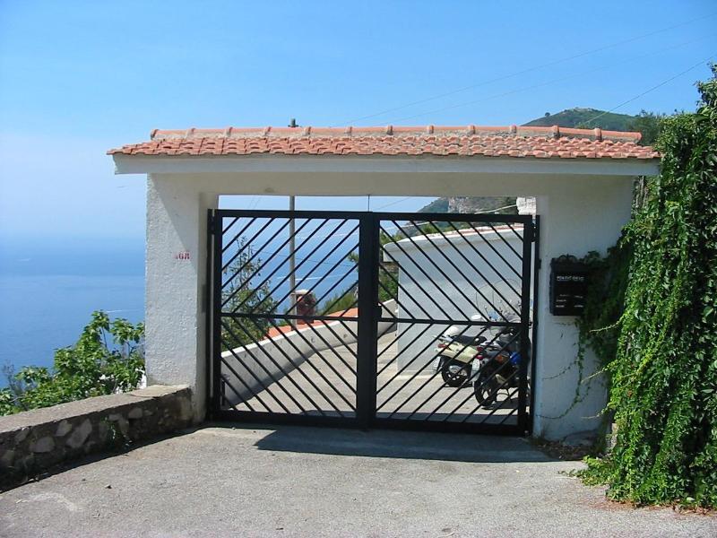 Wonderful house on the Amalfi Coast between Sorrento and Positano, alquiler de vacaciones en Piano di Sorrento