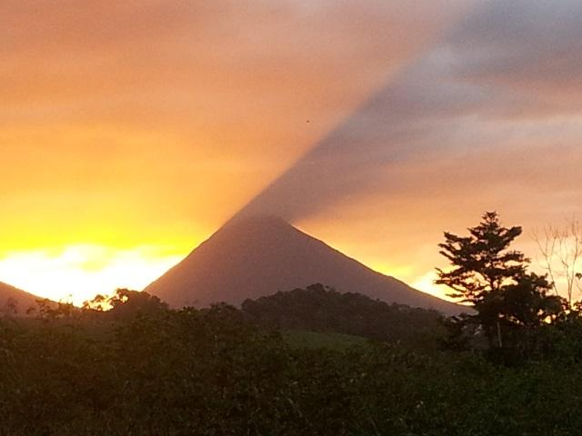 Arenal volcano looking good