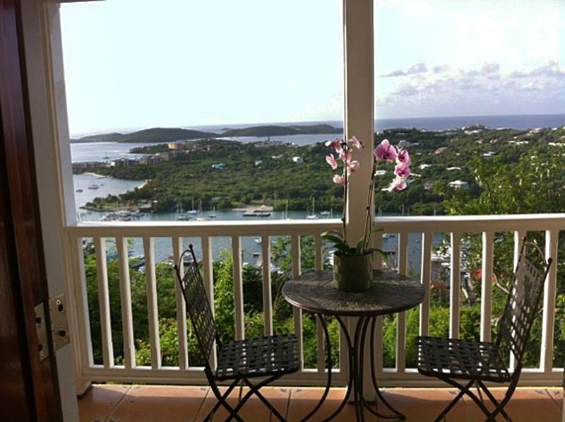 Spectacular VIew in Lush Surroundings, holiday rental in East End