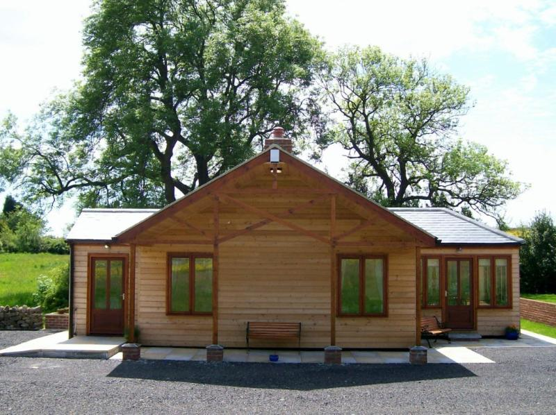 Little Owl Lodge, Durham Dales Alpaca Farm, Luxury, holiday rental in Ramshaw