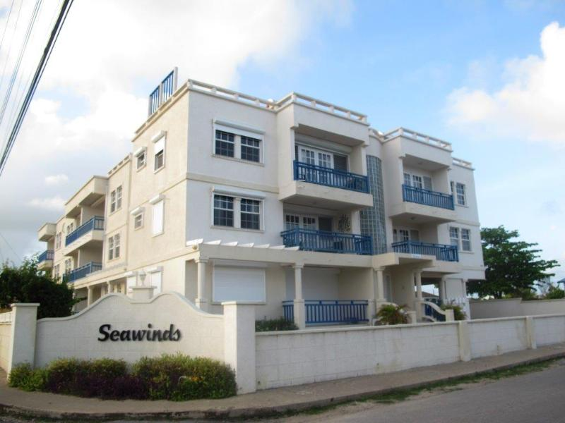 Seawinds - Two minute walk from the beach., holiday rental in Silver Sands
