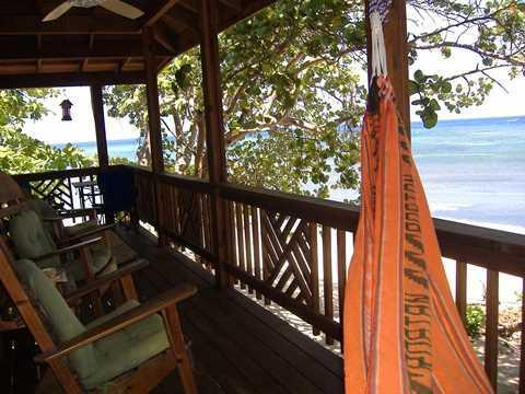 ROATAN: Cozy 1 bedroom BEACH COTTAGE FOR RENT, holiday rental in Sandy Bay
