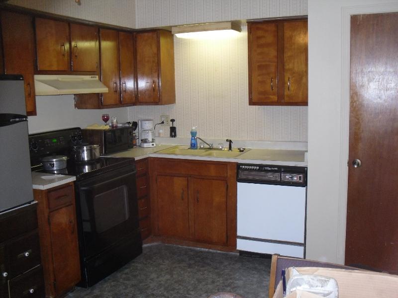 Gemütliche Küche mit alle wichtigen Geräte-