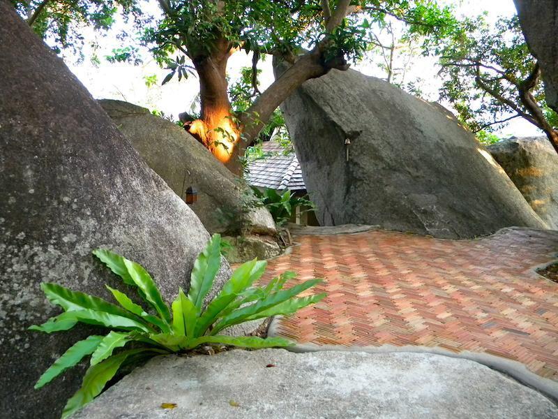 Entrance between boulders
