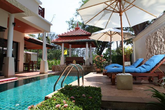 LAGUNA Private Pool-Villa bordering golf course, casa vacanza a Ko He