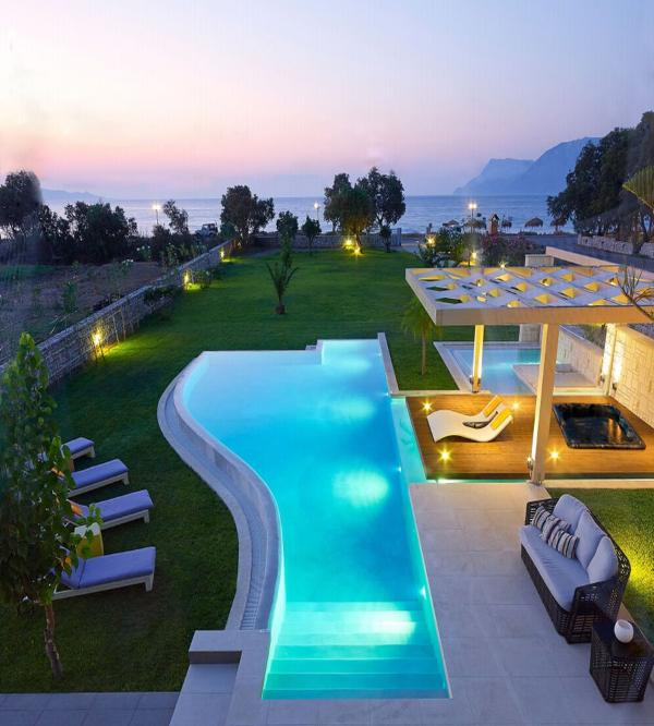 Relaxation and luxury with infinite sea views only 50 meters from the sea