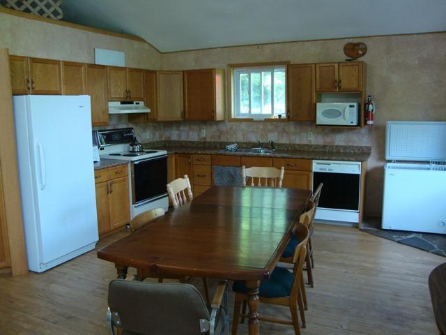 OPEN large kitchen with dish washer and rooom for all the cooks in the litchen
