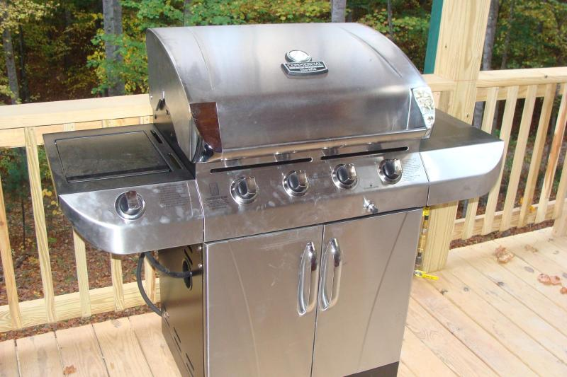 Gas Grill, hired wired in so you never run out of gas