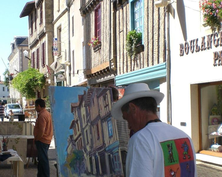 Le Colombage attracts Art Festival artists