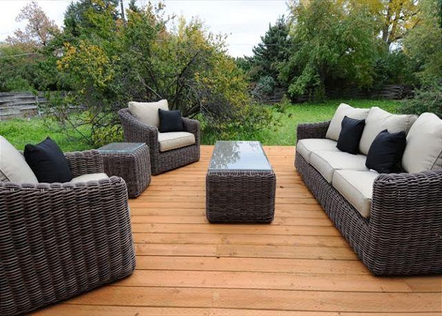 Wonderful outdoor furniture for relaxing