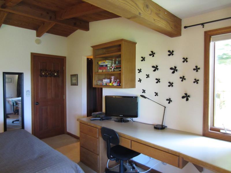 Nice long desk